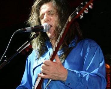 Frank Marino live