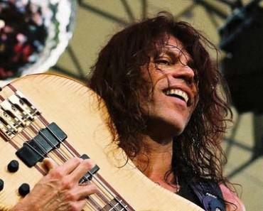 Rudy Sarzo bassist live