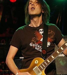 Rowan Robertson gibson guitar