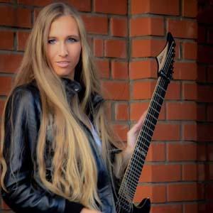 Julia Kosterova blonde