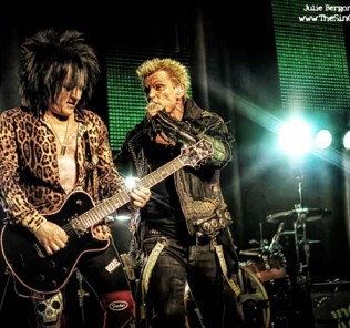 Billy Idol Live on stage