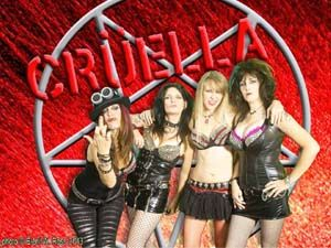 Crüella Hottest all-girl Mötley Crüe tribute band (2014 Interviews)