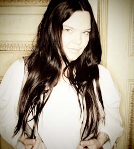 Anette Olzon brown hair