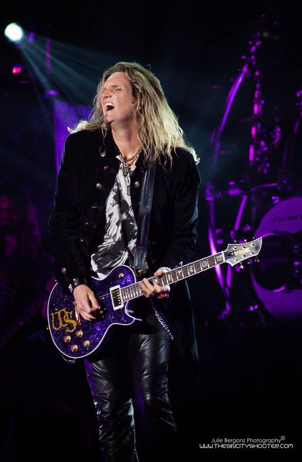 Joel Hoekstra Whitesnake the joint hard rock hotel on stage