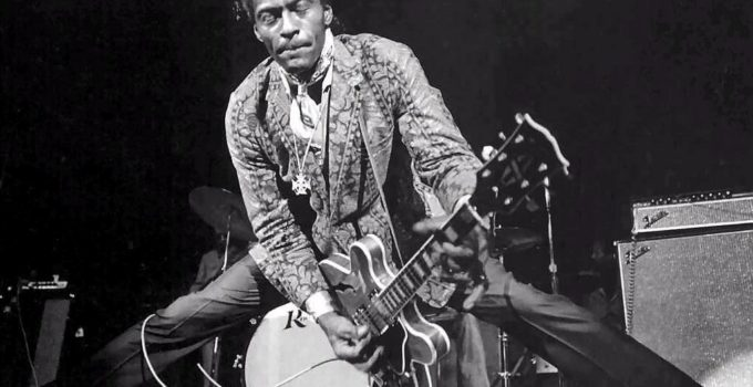 chuck berry doing the splits on stage